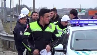 Ehliyetsiz sürücü 25 kilometrelik kovalamaca sonunda yakalandı