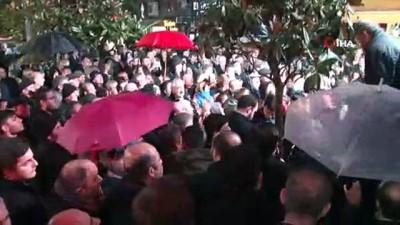 Ekrem İmamoğlu'na meşaleli karşılama