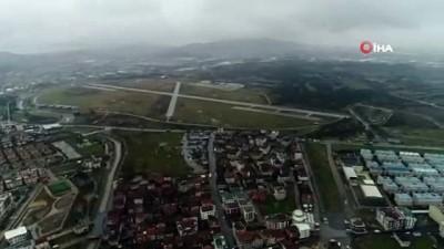Şehrin içerisinde kaldığı için Trakya'ya taşınması planlanan 4. Kara Havacılık Alay Komutanlığı havadan görüntülendi