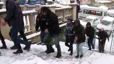 adli kontrol -  Kütahya'da FETÖ'nün 'askeri mahrem yapılanması' operasyonunda 10 tutuklama