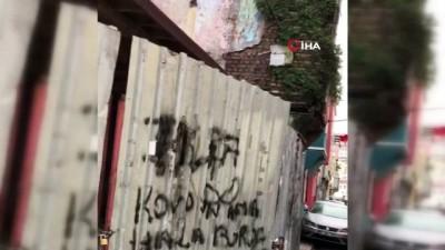 kamera -  Fatih'te 3 katlı ahşap bina böyle çöktü