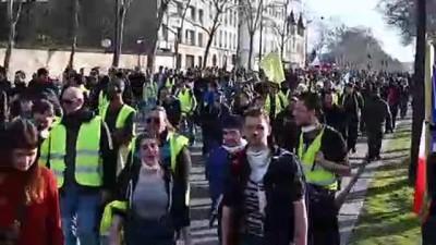Fransa'da sarı yelekliler gösterilerin 14'üncü haftasında sokaklarda - PARİS