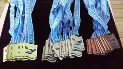 odul toreni - Master yüzücülerden 12 Türkiye rekoru - EDİRNE