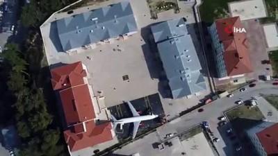 ogretmenler -  Geleceğin uçak mühendisleri bu okulda yetişiyor
