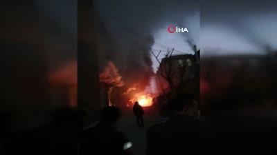 yangina mudahale -  Bağcılar'da tekstil fabrikasında yangın Haberi