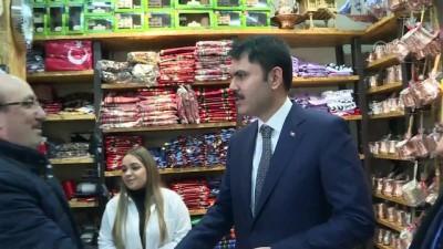 Bakan Kurum, Trabzon'da bez çanta dağıtım törenine katıldı