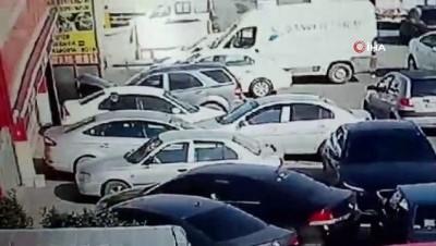 guvenlik kamerasi -  Esenyurt'ta halk otobüsü oto tamirciye daldı