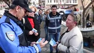 telefon dolandiriciligi -  Polisten telefon dolandırıcılığına broşürlü uyarı