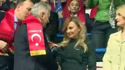 Binali Yıldırım: 'Kosova ile Türkiye arasında çok güçlü bağlar var. Sizin ayağınıza taş değse bizim canımız yanar' - İSTANBUL