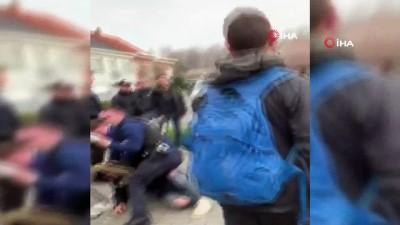 - Belçika'da Türk Öğrenciler İle Polis Arasında Kavga - 2 Genç Ve 2 Polis Yaralandı - Kimlikleri Yok Diye Kelepçelemek İstediler