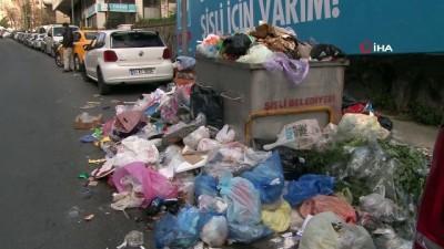 İşçilerin grev yaptığı Şişli'de sokaklar çöp yığınlarıyla doldu