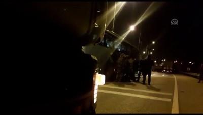 ozel harekat polisleri - Silahla yaralama şüphelisi, otobüs şoförünü ve muavinini rehin aldı - BALIKESİR