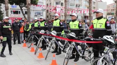 Dikili'de bisikletli polis timleri göreve başladı - İZMİR