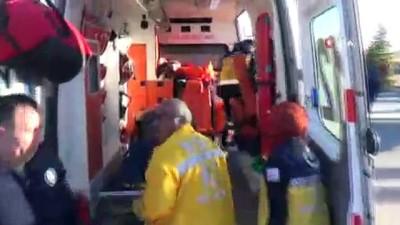 İşçi servisi ile kamyon çarpıştı: 7 yaralı