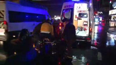 Avcılar'da E-5 yanyol'da yere düşen eşyasını almaya çalışan yaşlı adama araba çarptı