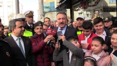 'Öncelik Hayatın, Öncelik Yayanın' kampanyası - İZMİR