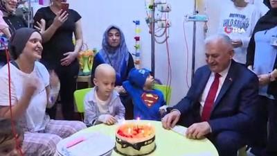 Binali Yıldırım kanser hastası çocukları ziyaret etti