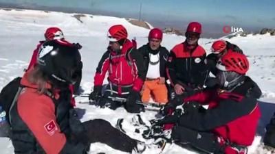 kurtarma ekibi -  Aksaray'da AFAD ekibinden nefes kesen çığ tatbikatı