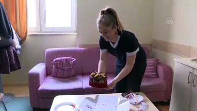 Minik Songül'e ilk yaşında hastanede doğum günü sürprizi - ERZURUM