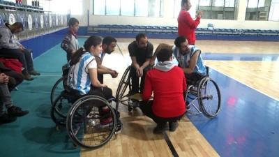 Sümbül Engelli Basketbol Takımı'ndan farklı galibiyet - HAKKARİ