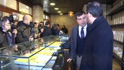 Gençlik ve Spor Bakanı Kasapoğlu esnafları ziyaret etti - UŞAK