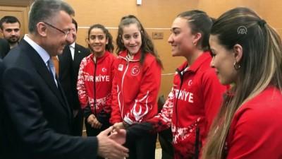 Cumhurbaşkanı Yardımcısı Oktay, milli sporcuları kabul etti - MUŞ