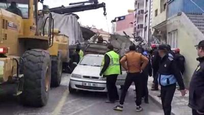 5 araca çarpan kamyon beyaz eşya deposuna girdi: 2 ölü, 1 yaralı (4) - KAYSERİ