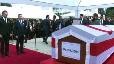 Eski KKTC Başbakanı Küçük toprağa verildi - LEFKOŞA