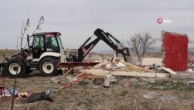 Kapadokya'da 6 kaçak yapı daha yıkıldı