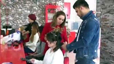 Kazakistanlı bayan kuaförü Yüksekova'da örnek oldu
