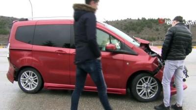 Kırmızı ışıkta duramayan sürücü zincirleme kazaya yol açtı: 2 yaralı