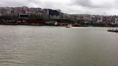 Sütlüce sahilde yelkenli tekne alabora oldu (2) - İSTANBUL
