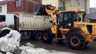 Karlıova'da mücadele tam bitti derken kar yağışı yeniden başladı