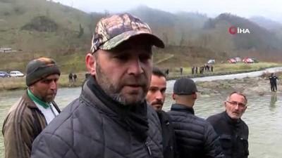 Ordu'daki kazada suya gömülen araç çıkartıldı