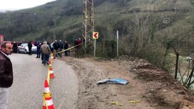 Otomobil ırmağa yuvarlandı: 1 ölü - ORDU