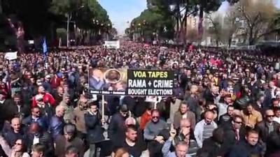 hukumet karsiti - Tiran'da hükümet karşıtı protesto - ARNAVUTLUK