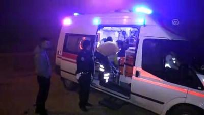 alkollu surucu - Alkollü sürücü seçim minibüsüne çarptı - ADANA