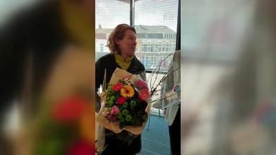 teror saldirisi - Video: Yeni Zelandalı kadın Türk camisine gelerek özür diledi