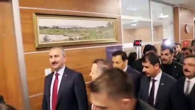 Adalet Bakanı Gül, hizmete açılan Bolu Adliye Sarayı'nda incelemelerde bulundu