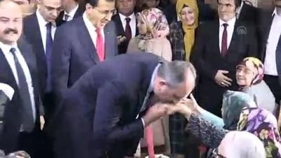 Adalet Bakanı Gül, huzurevini ziyaret etti - BOLU