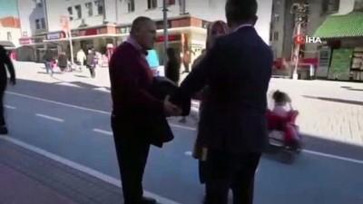 Bolu'da, CHP'li başkan adayına vatandaştan HDP tepkisi