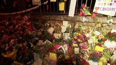 teror saldirisi -  - Camideki Katliama Dünyanın Dört Bir Yanından Çiçek Gönderiliyor