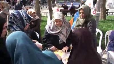 Kendi imkanıyla okuma yazma öğrenen 75 yaşındaki Fatma nine, 4. kitabını çıkardı