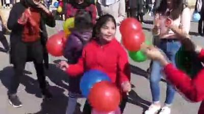 Down sendromlu çocuklar doyasıya eğlendiler