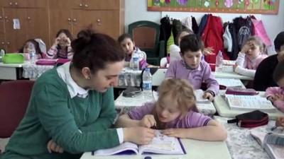 Down sendromlu Melek başarısıyla takdir topluyor - ARTVİN