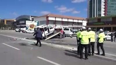 Otomobil ile hafif ticari araç çarpıştı: 6 yaralı - KIRIKKALE
