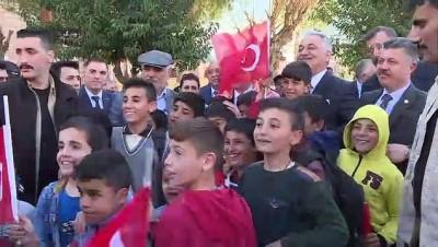 Pakdemirli: 'Türk-Kürt kardeşliği ezelden gelir, ebede gider' - MANİSA