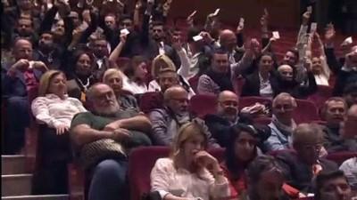 Galatasaray'da yönetim, mali yönden ibra edilirken, idari yönden ibra edilmedi - İSTANBUL