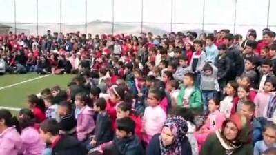 ogrenciler - Suriyeli ve Türk öğrenciler için sirk gösterisi - BATMAN