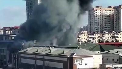 itfaiye araci - Azerbaycan'da iş merkezi yangını (1) - BAKÜ